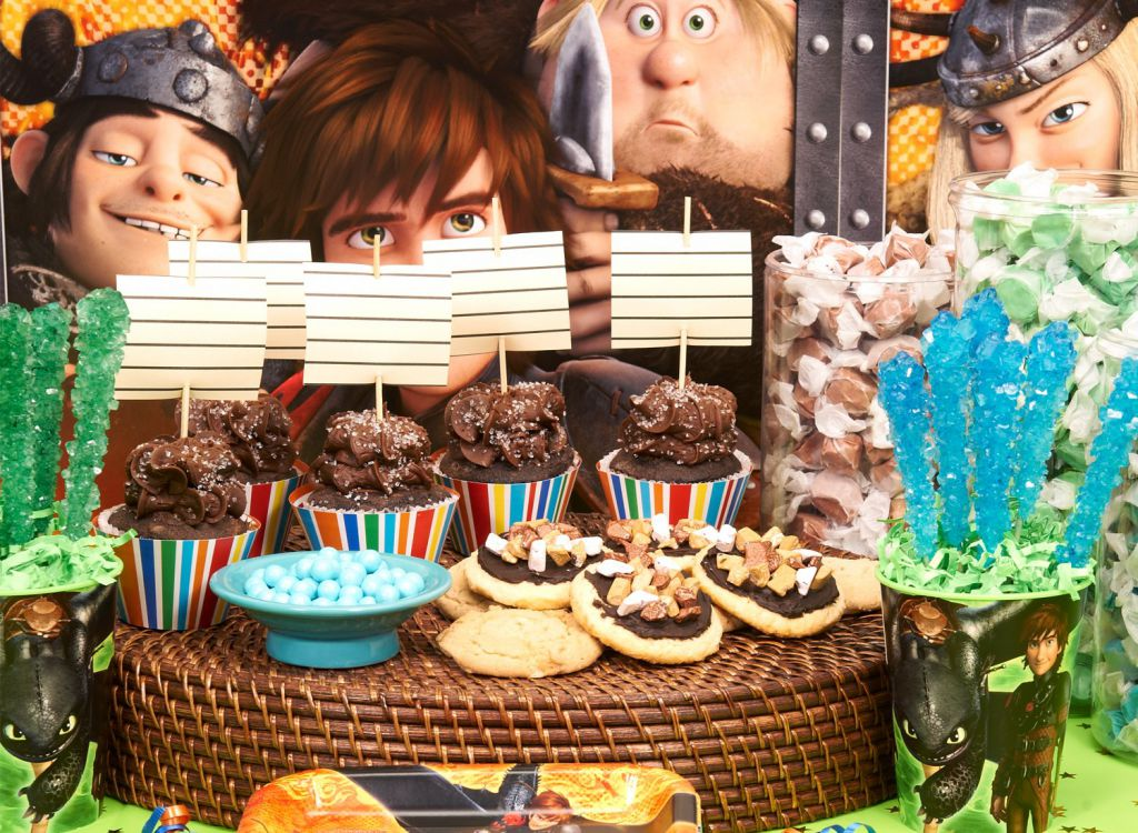 httyd product - cupcakes