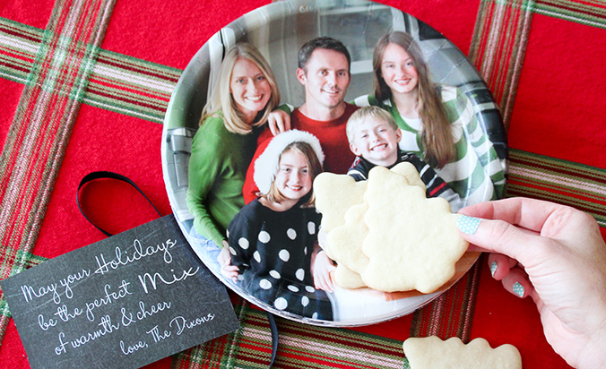 Create your own photo plates at BirthdayExpress.com