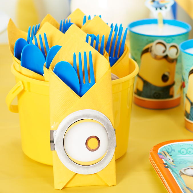 DIY Despicable Me Table Decor LS