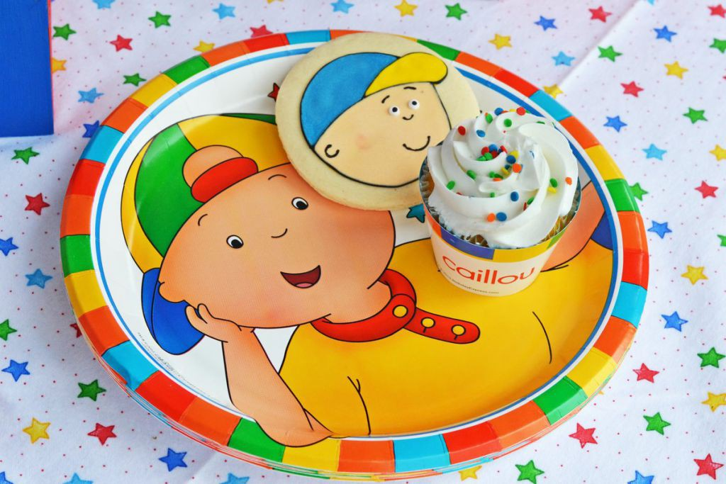 Caillou Plate with Treats