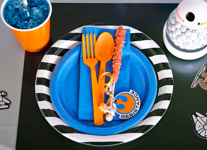 BB-8 Star Wars Party Supplies and Tableware Ideas & BB-8 Star Wars VII Birthday Party Theme Ideas | Birthday Express