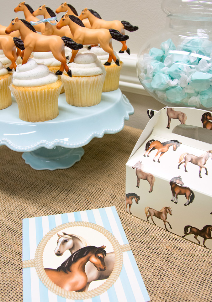 Horse party exclusively at BirthdayExpress.com