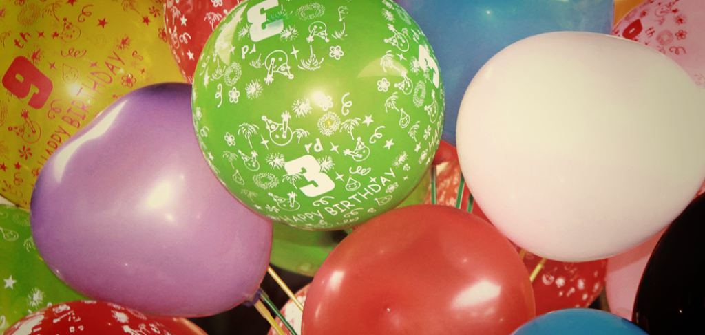 10 amazing things you can do with party balloons for Cool things to do with balloons
